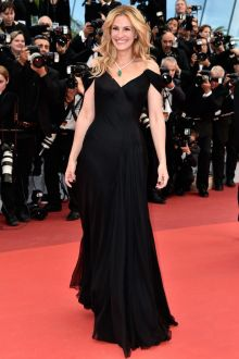 julia roberts plunging off the shoulder celebrity prom gown at cannes film festival