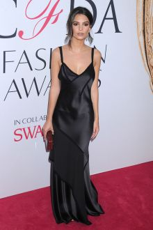 emily ratajkowski black slip v neck evening dress cfda 2016 red carpet