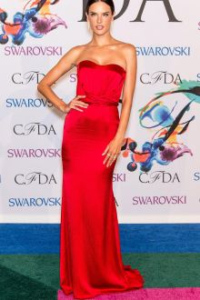 alessandra ambrosio simple strapless sheath cheap red satin dress cfda 2014