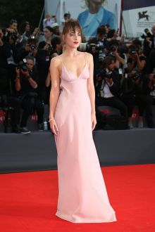 dakota johnson beautiful sexy v neck backless pink dress venice film 2015