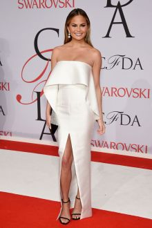 chrissy teigen unique silver strapless prom dress cfda 2015 red carpet