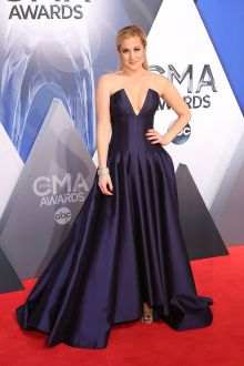 kellie pickler plunging v neck grape satin strapless ball gown cma awards 2015