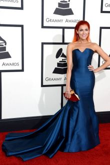 bonnie mckee classic navy blue satin trumpet celebrity prom dress grammys 2014