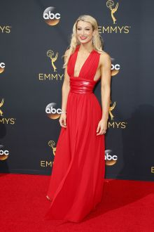 jessie graff simply beautiful red chiffon plunging evening prom dress emmys 2016
