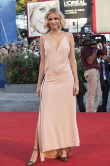 caterina shulha casual blush ankle length prom dress venice film festival 2016