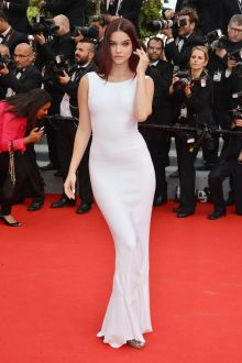 barbara palvin white elegant sleeveless mermaid evening prom dress cannes 2014