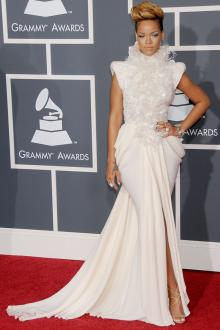 rihanna grammys red carpet 2010 glamorous ruffles neck white slit prom dress