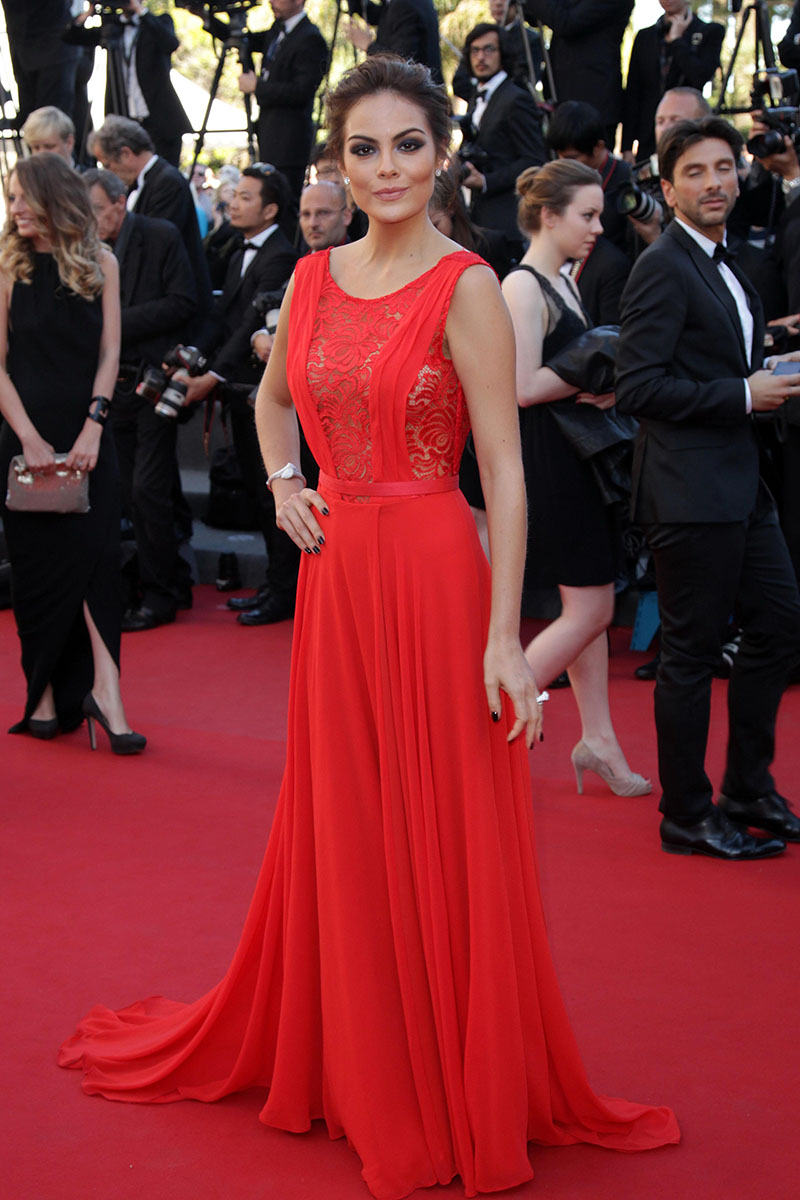 Ximena Navarrete Cannes Red Carpet Dress Red Lace And Chiffon Open Back