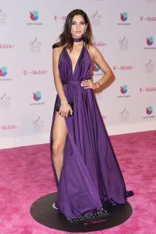 alejandra espinoza sexy open back purple dress premio lo nuestro