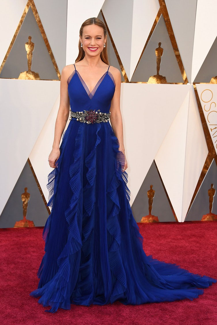 brie larson ruffled blue v neck red carpet evening prom dress oscars