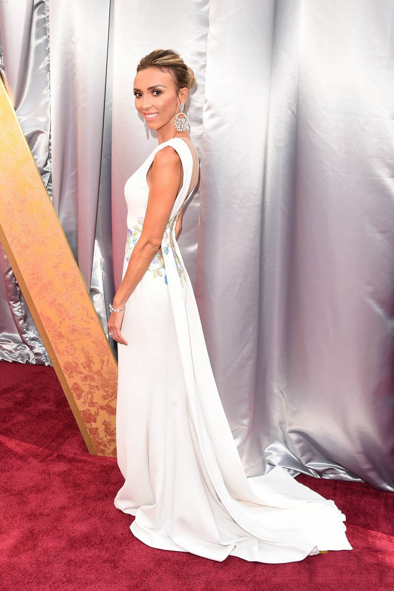 Giuliana rancic floral white mermaid evening dress oscars for Georges chakra gold wedding dress price