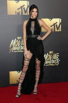 kendall jenner exclusive black high low prom dress mtv movie awards