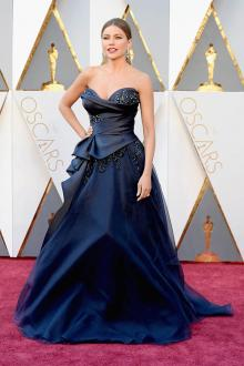 sofia vergara navy strapless ball gown prom dress oscars 2016 red carpet